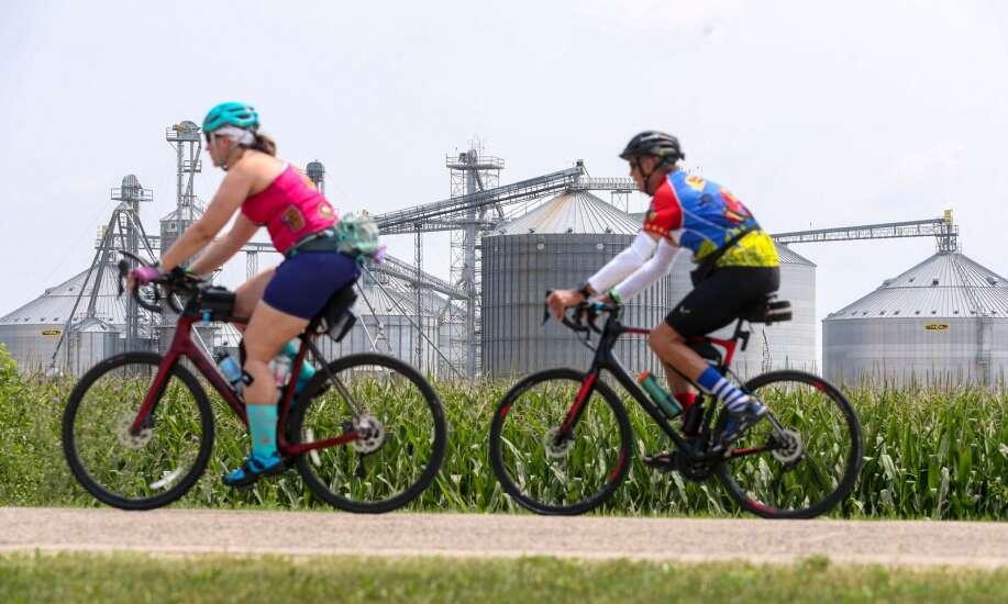 Photos: RAGBRAI riders arrive in Anamosa