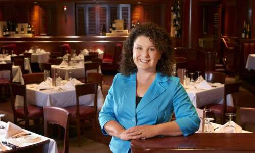 Restaurant employees receive one-time grants from Iowa Restaurant Association