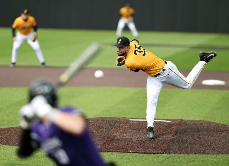 Iowa baseball tries to stay on a roll during big series at Indiana