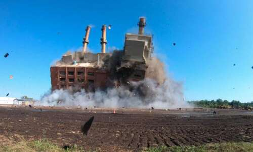 Alliant implodes Marshalltown plant