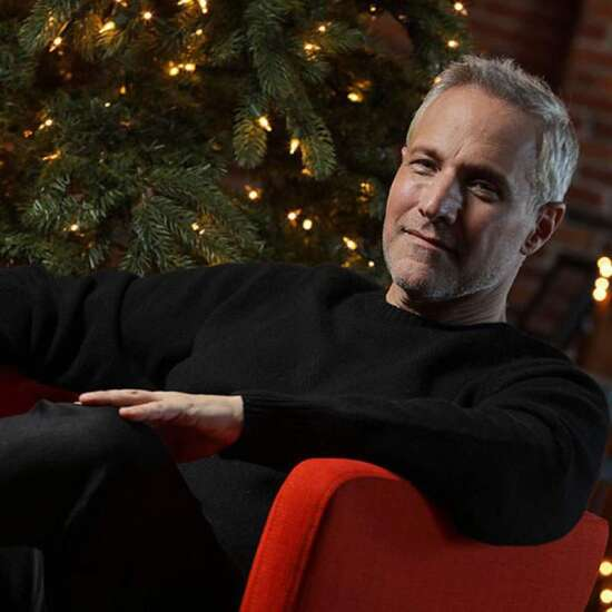 Pianist Jim Brickman brings virtual tour to Cedar Rapids, with some proceeds going to Paramount
