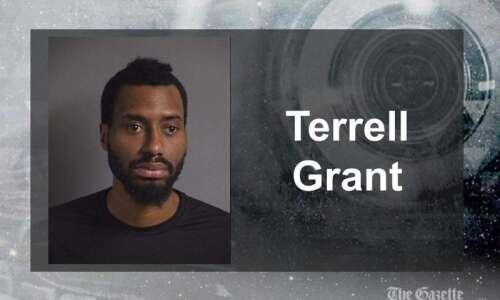 Machete-wielding man arrested for trespass, harassment in Iowa City