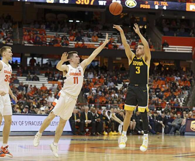 Iowa basketball finds some iron men in 68-54 win at Syracuse