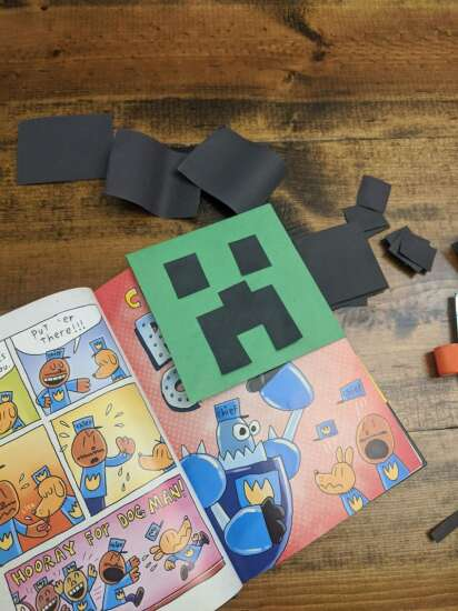 Make your own Minecraft Creeper bookmark