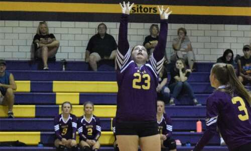 Keota volleyball dinged in SICL home match
