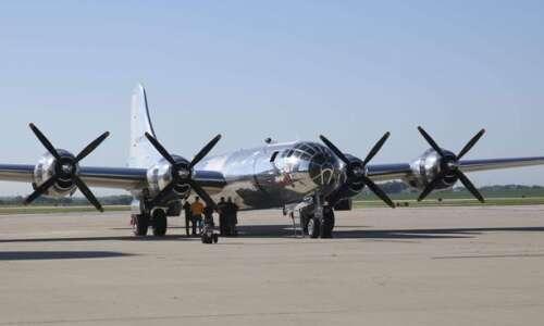 World War II B-29 bomber Doc touches down in Cedar…
