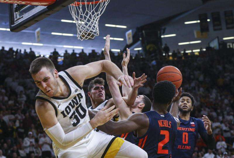 Iowa basketball's mission at Illinois: Win, skip Thursday at Big Ten tournament