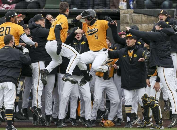 Iowa baseball team has turned it around, hopes to keep up winning ways