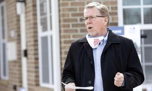 Cedar Rapids mayor further eases mask mandate
