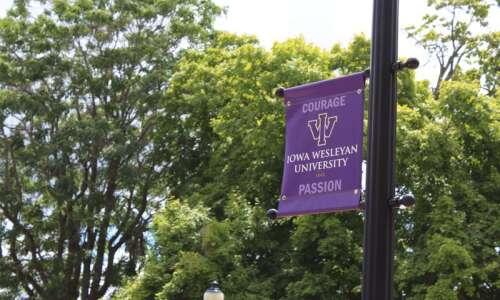 Iowa Wesleyan joins financial partnership with SCC