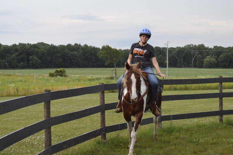 VIDEO: Linn County woman spending summer training an unwanted horse