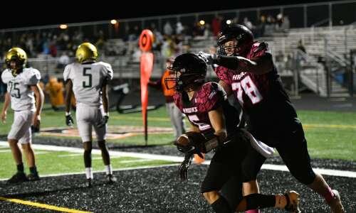 4 Downs: Gazette writers tackle Iowa high school football questions