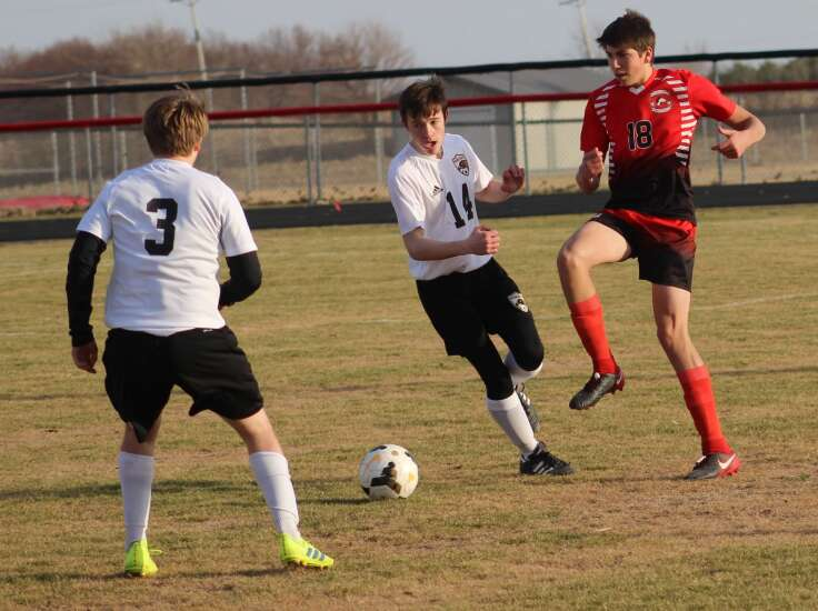 Ranked soccer teams battle in Wellman