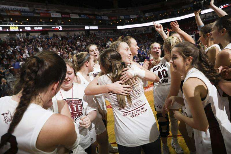 Flanagan twins shoot North Linn to the 2A girls' state basketball championship