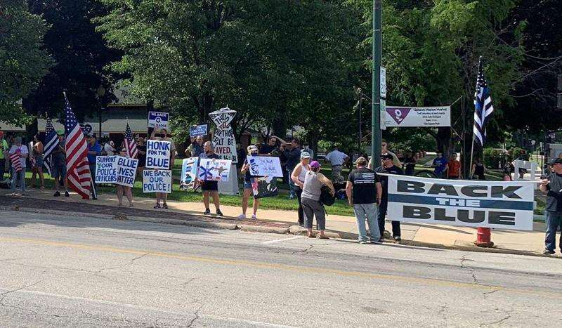 Live: 'Back the Blue' rally in Marion to support police