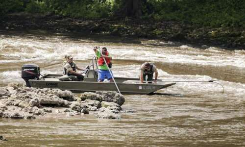 Body found in Cedar River near Palisades where boater went…