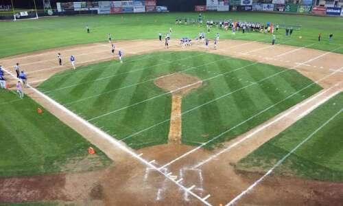 Clinton minor league baseball stadium hosts Williamsburg-Camanche football