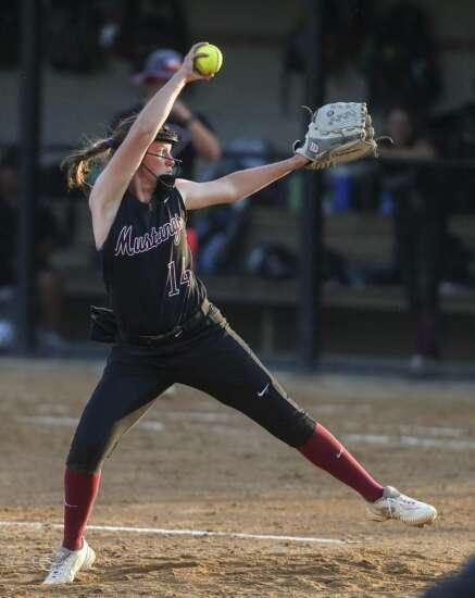 Mount Vernon sweeps Solon in key Class 3A softball doubleheader