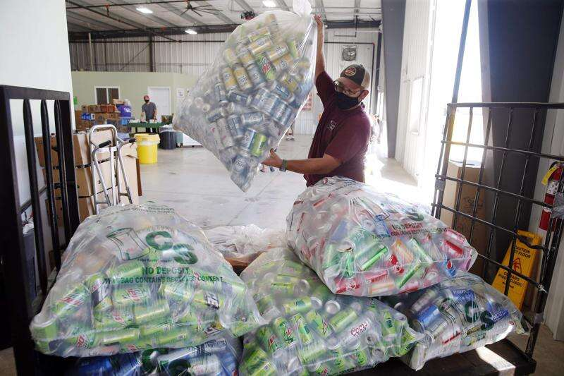Grocers make deals with recycler to still turn away empty bottles and cans