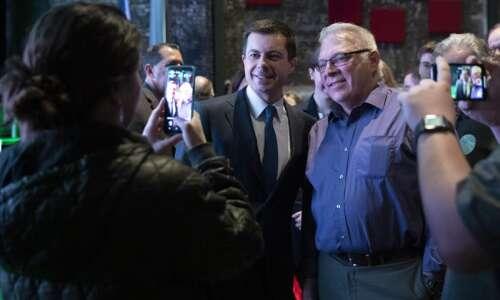 Iowa Caucus: Pete Buttigieg is clinging to a slight lead…