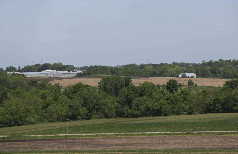 Marion residents say Marion Municipal Airport zoning ordinance would strip them of property rights