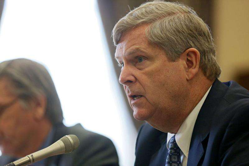 Vilsack: Iowa at 'critical point' in addressing water quality
