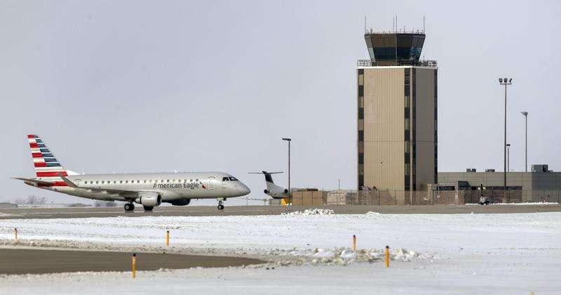 Eastern Iowa Airport's nonstop flight to Phoenix Sky Harbor to pause in April, resume in June
