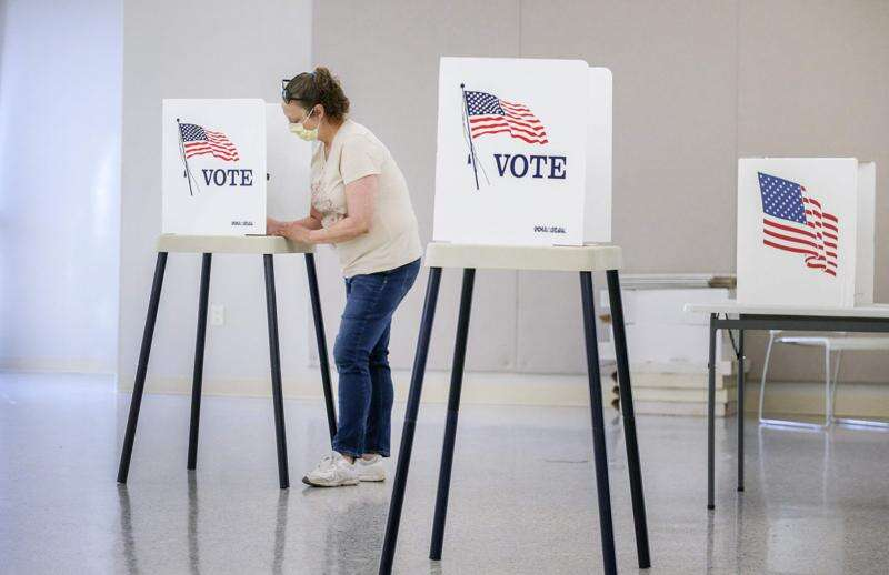 Incumbents cruise to victory in Johnson County supervisors race