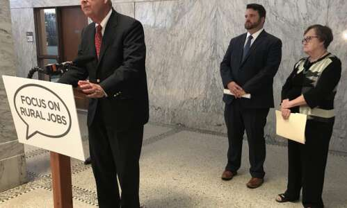 Iowa Democrats join bipartisan calls for stronger federal ethanol mandate