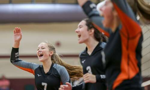 West Delaware scrambles from behind, wins Independence Volleyball Invite