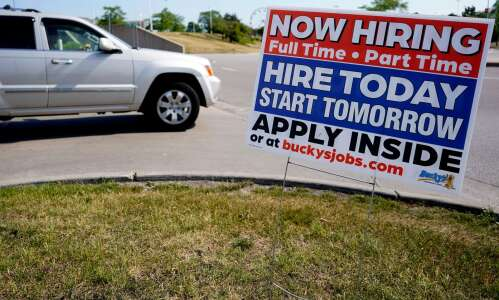 U.S. and Iowa jobless claims tick up