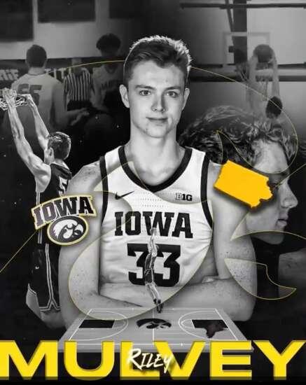 Iowa men's basketball adds 6-foot-11 Riley Mulvey for 2021-22 season
