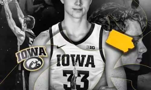 Iowa men's basketball adds 6-foot-11 Riley Mulvey for 2021-22 season