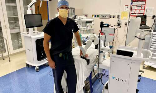 Tool helps with knee replacement surgery