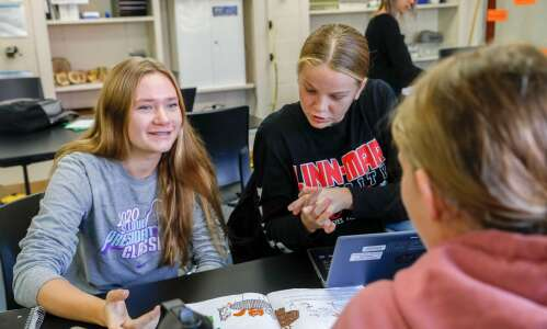 Linn-Mar project-based students 'learning skills for the real world'
