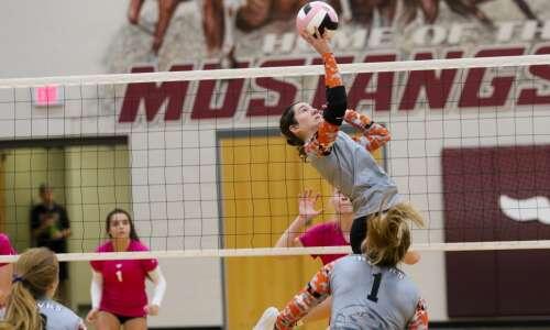 Iowa high school volleyball rankings: Gazette-area Super 10 (Oct. 6)