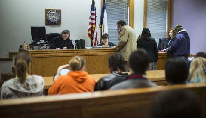 Focus turns to jail alternatives in Johnson County justice center debate