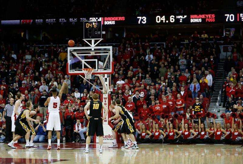 By the numbers: Inside 2 minutes, Iowa falters