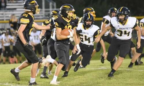 Mid-Prairie football erupts against EBF