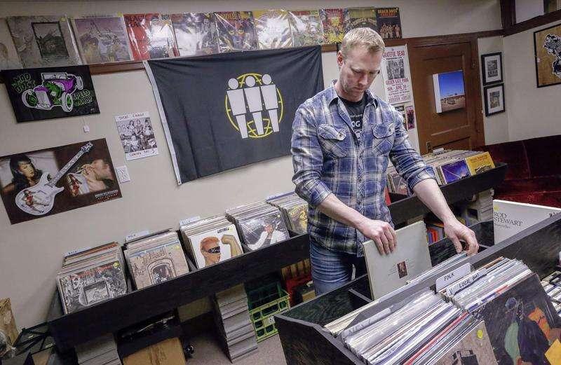 Analog Vault brings back vinyl tradition