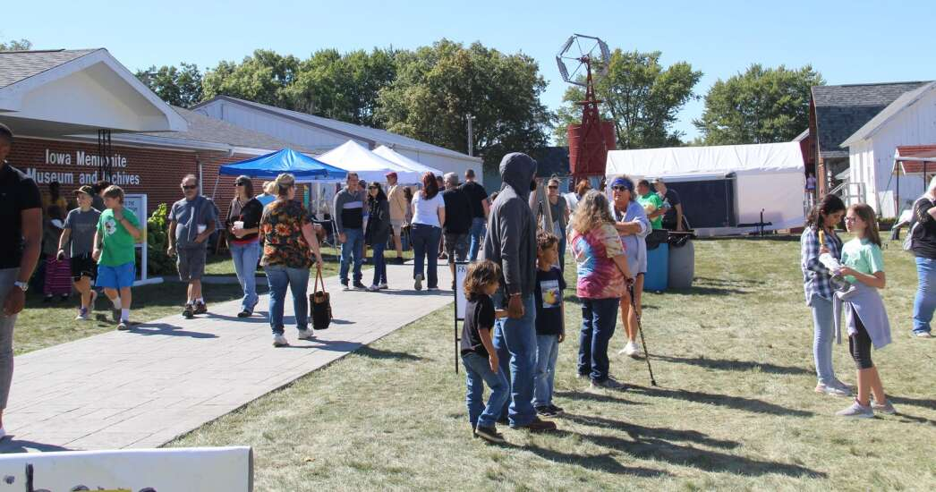 Crowds return to Kalona Fall Festival