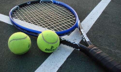 Top-ranked Linn-Mar tennis busts West streak
