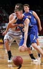 Iowa freshmen bulk up, refine for upcoming basketball season (with PTL videos)