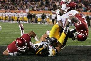 Iowa sells more tickets to 2011 Insight Bowl than in 2010, breaks even