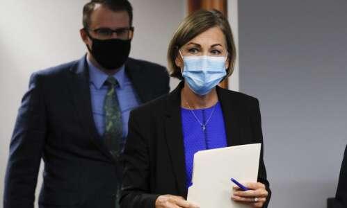 Gov. Kim Reynolds orders Iowa schools to 'take all efforts'…