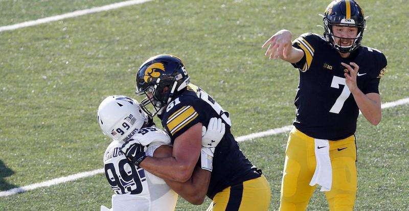 Iowa offensive lineman Coy Cronk declares for NFL Draft