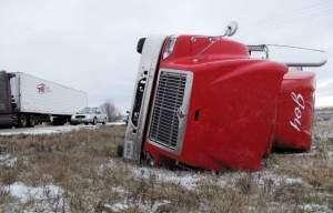 Five vehicles damaged in Interstate 380 crash