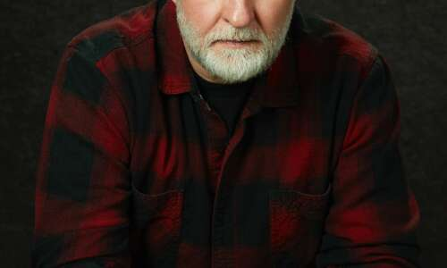 Legendary guitarist Bob Mould to perform Sunday in Iowa City