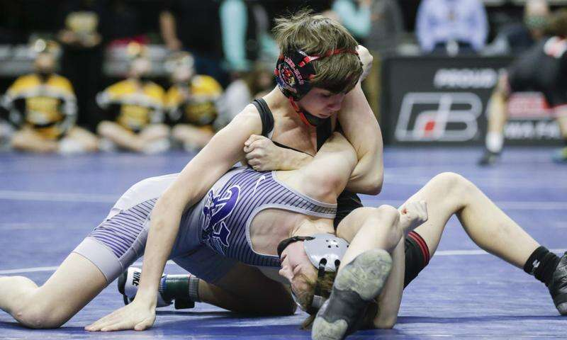 Linn-Mar wrestling future looks bright after 6th-place state duals finish