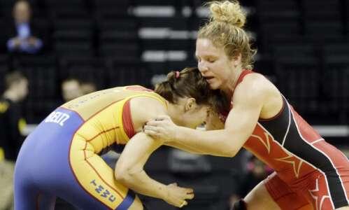 Iowa announces addition of women's wrestling program